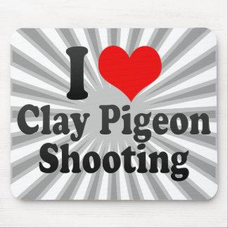 Amo el tiroteo del tiro de pichón alfombrilla de ratones