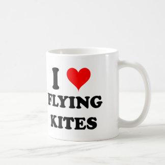 Amo el volar de cometas taza clásica