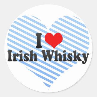 Amo el whisky irlandés etiquetas redondas