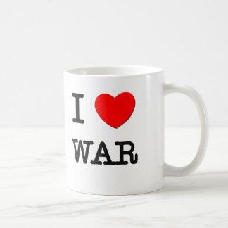 Amo guerra taza clásica