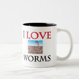 Amo gusanos taza dos tonos