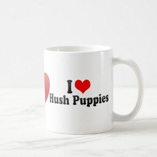 Amo Hush Puppies Taza Clásica