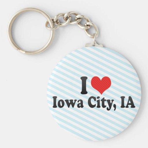 Amo Iowa City, IA Llavero Redondo Tipo Pin