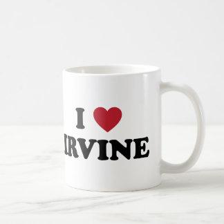 Amo Irvine California Taza Básica Blanca