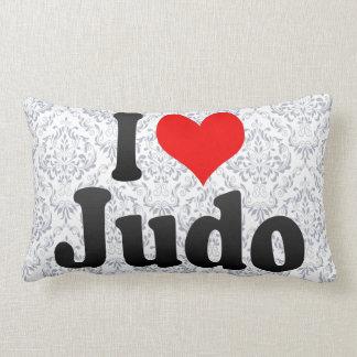Amo judo almohadas