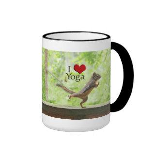 Amo la ardilla de la yoga tazas de café
