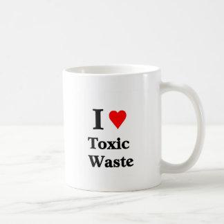 Amo la basura tóxica taza