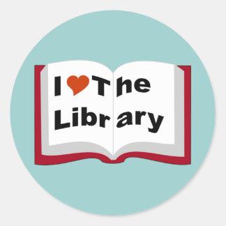 Amo la biblioteca pegatina redonda
