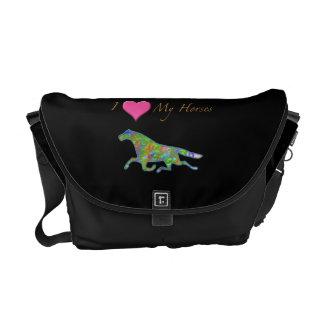 """""""Amo la bolsa de mensajero de mis caballos"""" Bolsas De Mensajería"""