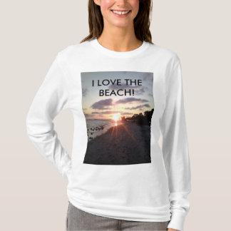 Amo la camisa de manga larga de la playa para las
