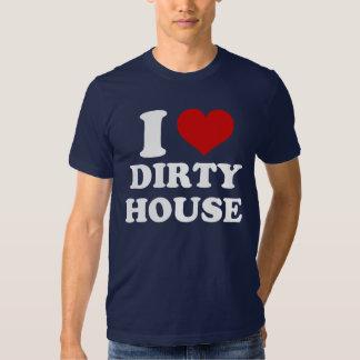 Amo la camisa sucia de la casa