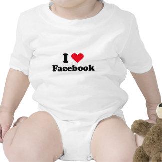 Amo la camiseta de Facebook