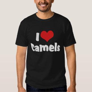 Amo la camiseta de la oscuridad de los camellos playera