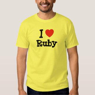 Amo la camiseta de rubíes del corazón playeras