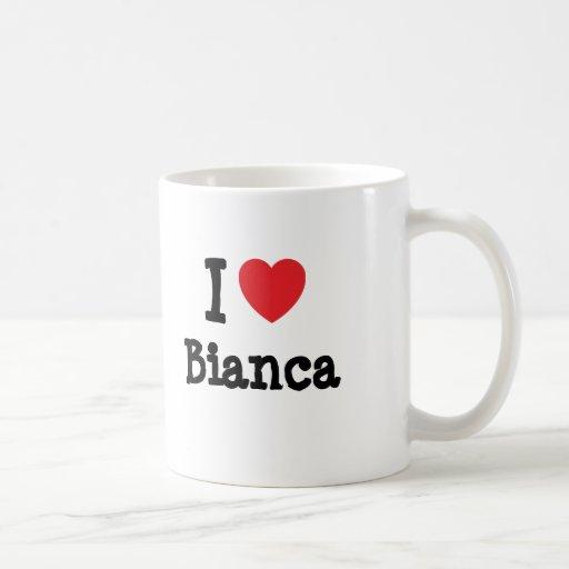 Amo la camiseta del corazón de Bianca Taza