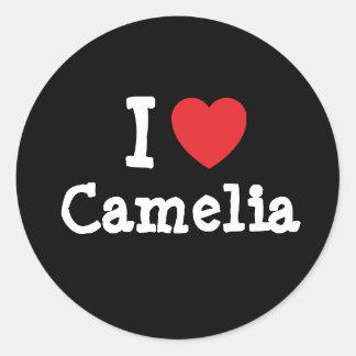 Amo la camiseta del corazón de Camelia Pegatina Redonda