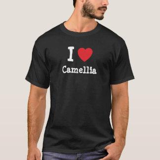 Amo la camiseta del corazón de la camelia