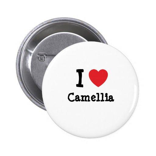 Amo la camiseta del corazón de la camelia pin