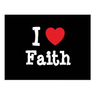 Amo la camiseta del corazón de la fe postal
