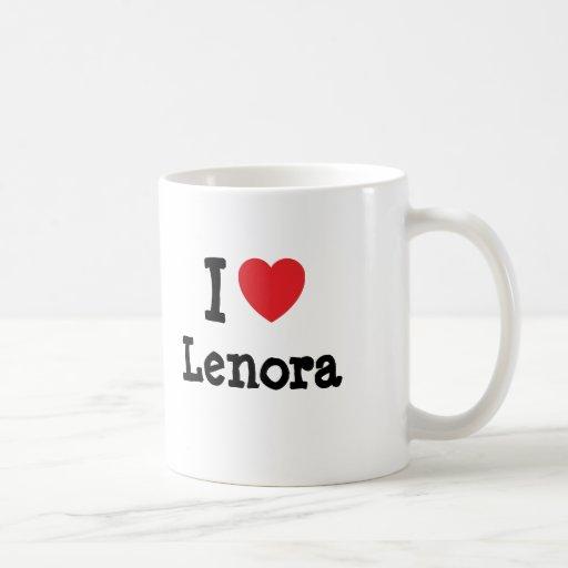 Amo la camiseta del corazón de Lenora Taza Básica Blanca