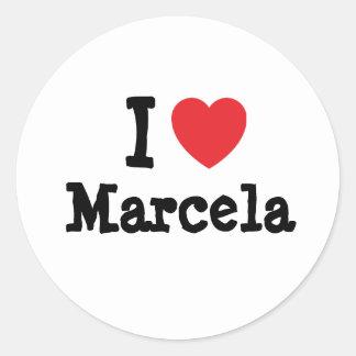 Amo la camiseta del corazón de Marcela Etiquetas Redondas