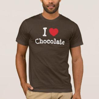 Amo la camiseta del corazón del chocolate
