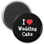 Amo la camiseta del corazón del pastel de bodas imán de frigorífico