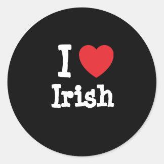 Amo la camiseta irlandesa del corazón etiquetas redondas