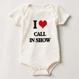 Amo la demostración del programa con llamadas en trajes de bebé