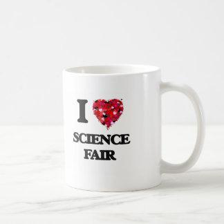 Amo la feria de ciencia taza básica blanca