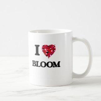 Amo la floración taza básica blanca