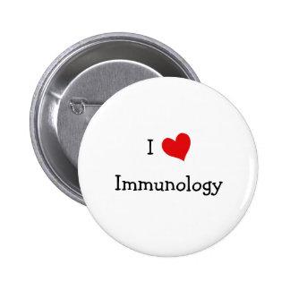 Amo la inmunología pin redondo de 2 pulgadas
