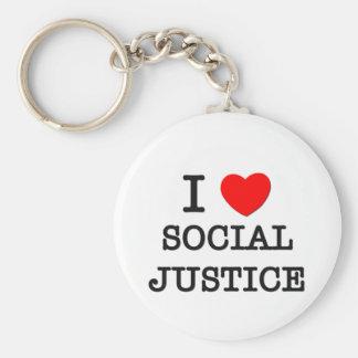 Amo la justicia social llavero redondo tipo pin