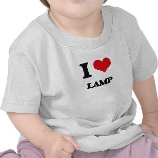 Amo la lámpara camisetas
