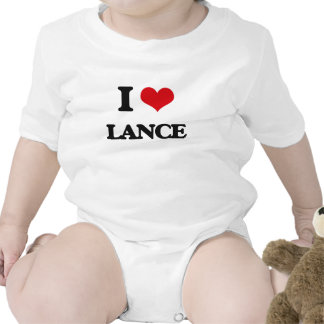 Amo la lanza trajes de bebé
