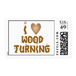 Amo la madera que da vuelta al corazón de madera sello postal