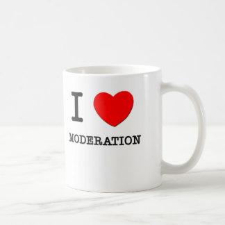 Amo la moderación taza de café