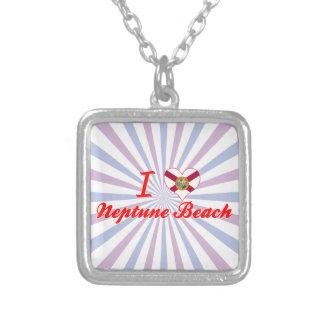 Amo la playa de Neptuno, la Florida Collares