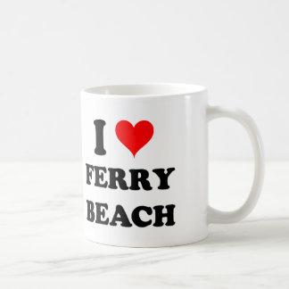Amo la playa del transbordador taza básica blanca