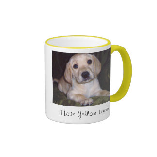 Amo la taza de café amarilla de los laboratorios