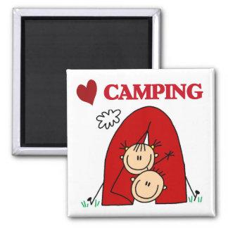 Amo las camisetas y los regalos que acampan imán de frigorifico