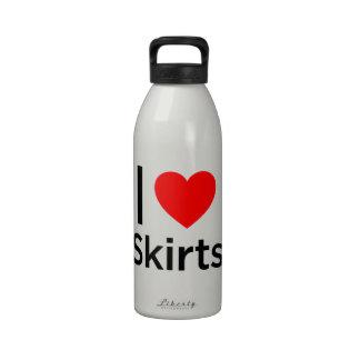 Amo las faldas botella de agua reutilizable