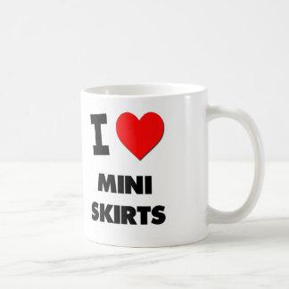 Amo las mini faldas taza