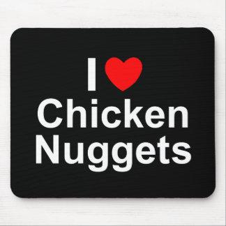 Amo las pepitas de pollo (del corazón) tapete de ratón