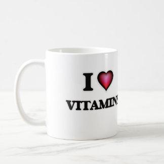 Amo las vitaminas taza clásica