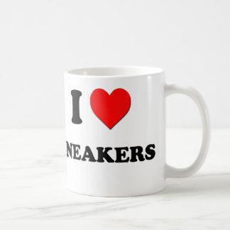 Amo las zapatillas de deporte taza de café