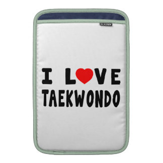 Amo los artes marciales del Taekwondo Fundas MacBook