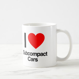 amo los coches del subcompact taza básica blanca