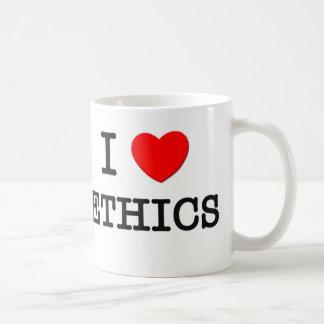 Amo los éticas taza básica blanca