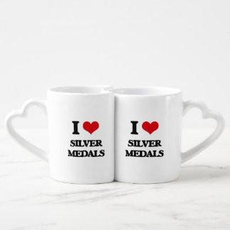 Amo los medallistas de plata tazas para enamorados